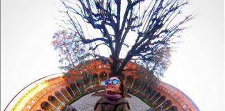 Un selfie 360 nel chiostro dell'Università Cattolica di Milano