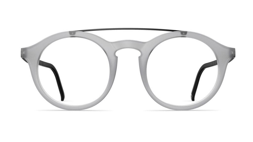 Gli occhiali Neubau Eyewear, usati in sfilata