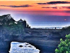 sunset Tanah Lot Temple